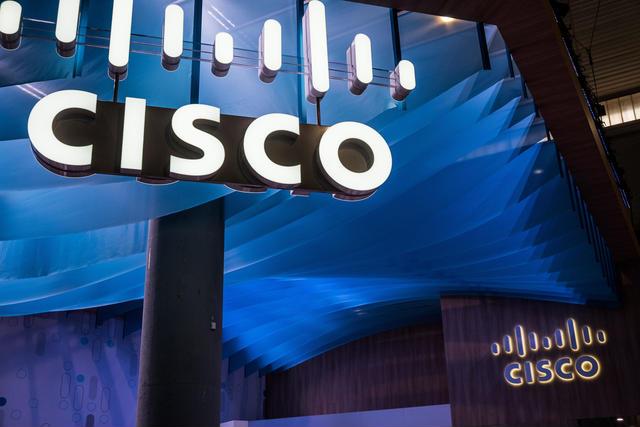 COVID-19 kısıtlamaları nedeniyle, mahkeme jürisi olmadan düzenlenen ve Zoom üzerinden yürütülen bir ay süren 'sanal' davada, Cisco'nun bir dizi siber güvenlik patentini ihlal etmekten dolayı suçlu bulunması ile sonuçlandı