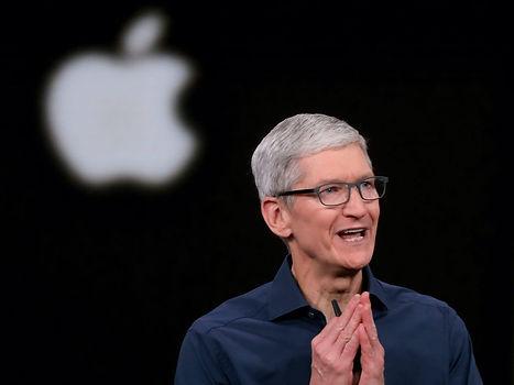 Apple CEO'su Tim Cook, otonom arabalar hakkında konuştu