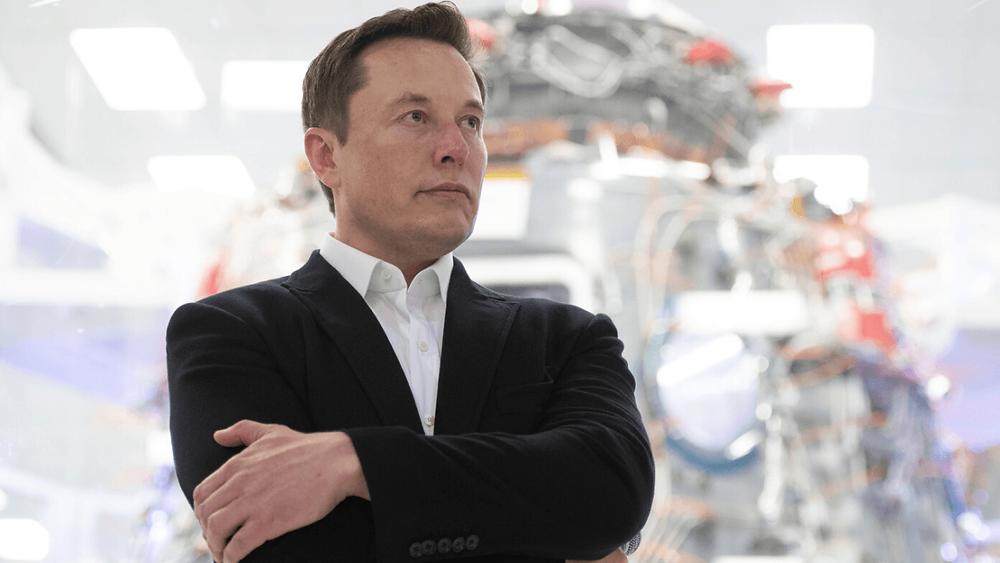Elon Musk, kendisine aynı mesajı 154 kez gönderen bir twitter kullanıcısının talebine yanıt verdi
