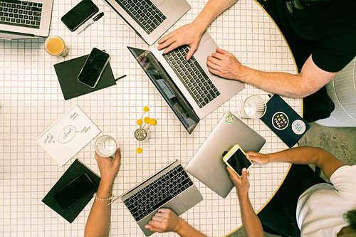 En son gelişmelerden geri kalma korkusu çalışanları ofise döndürecek kadar etkili