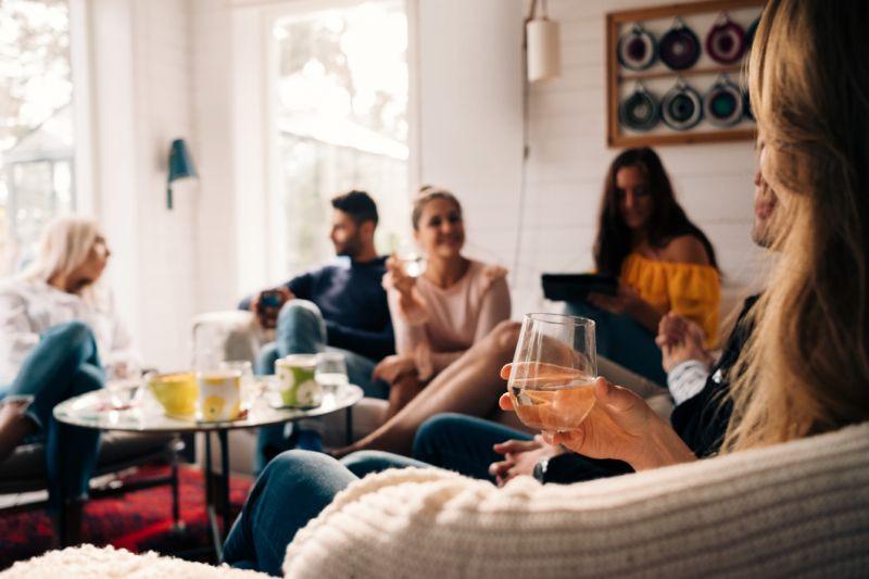 Airbnb, çalışanların evden çalışmalarını Ağustos 2021'in sonuna kadar uzatıyor