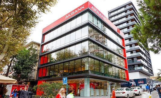 Akbank kağıtsız, ıslak imzasız bankacılık sektöründe yenilikçi bir adım attı