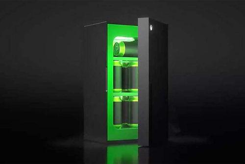 Microsoft, Xbox Mini buzdolabının ilk görünümünü paylaştı