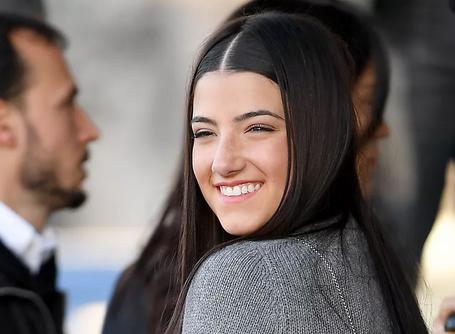 TikTok'un en popüler içerik üreticisi Charli D'Amelio, rakip uygulama Triller'a katıldı