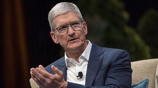 Tim Cook: Apple'ın 20 milyon maske bağışladı ve haftada 1 milyon yüz kalkanı üretmeye başladı