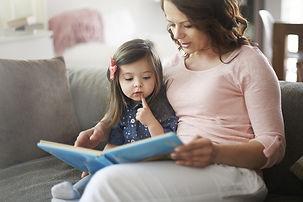 foto-blog-reading-2-year-old.jpg