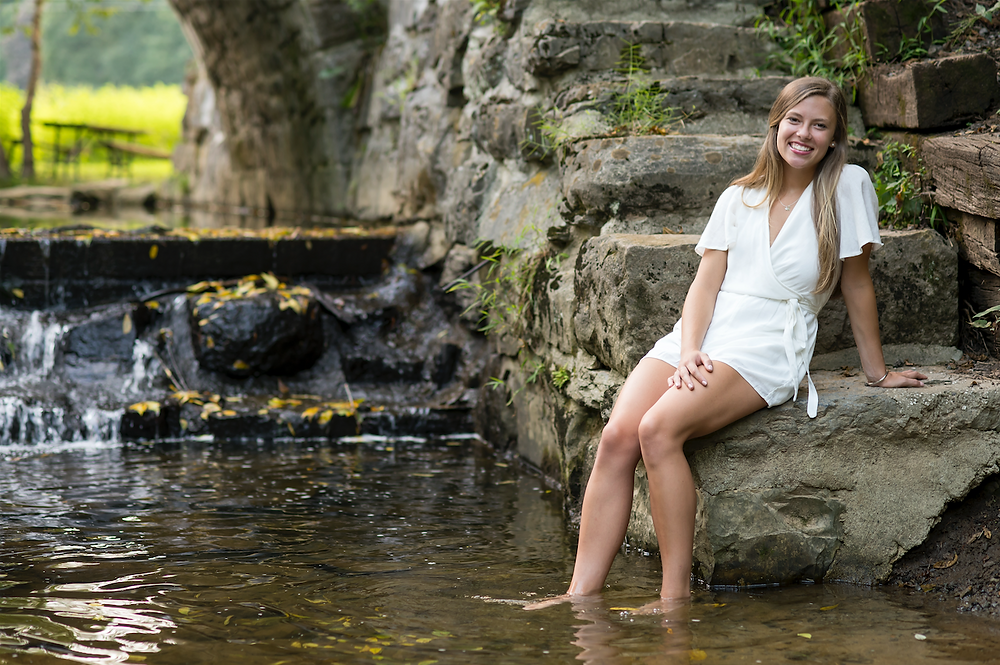 Alise, 2020 high school graduate, senior portraits in a local park