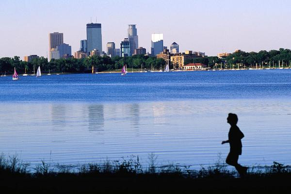 The top 10 big cities for job seekers