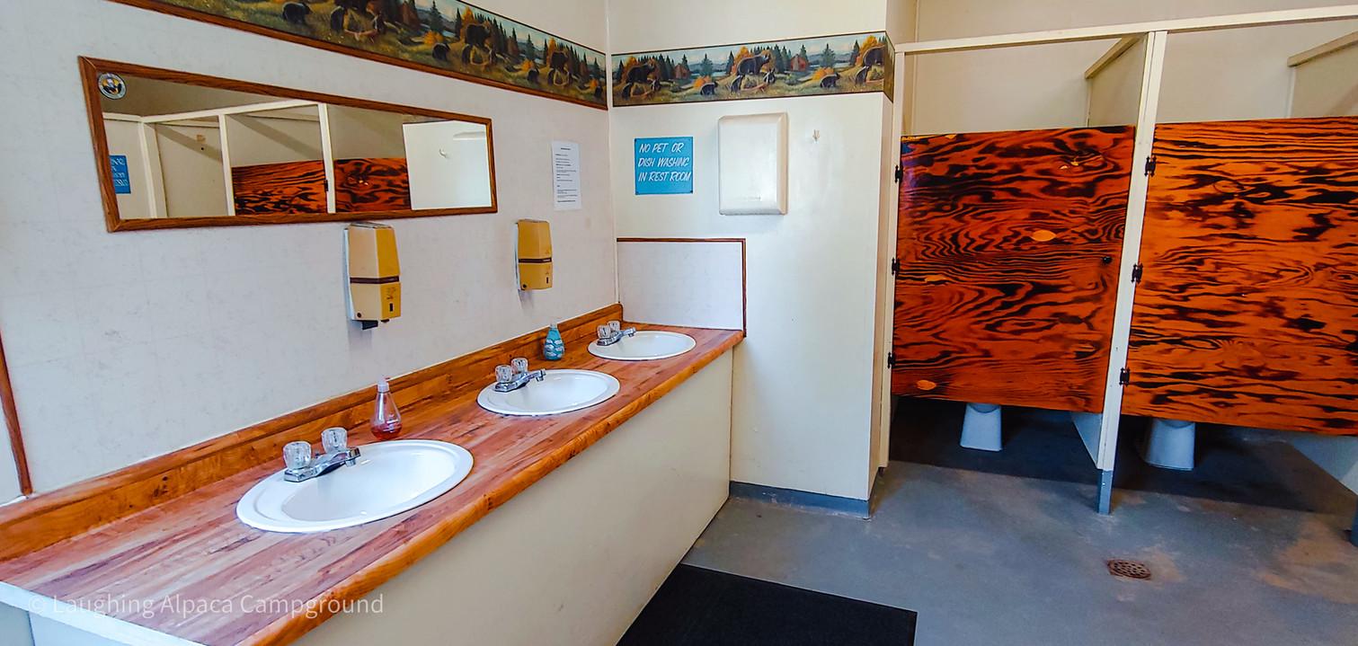 BathroomInterior_HDR.jpg