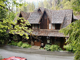 Chateau-Oregon-Caves-1.jpg