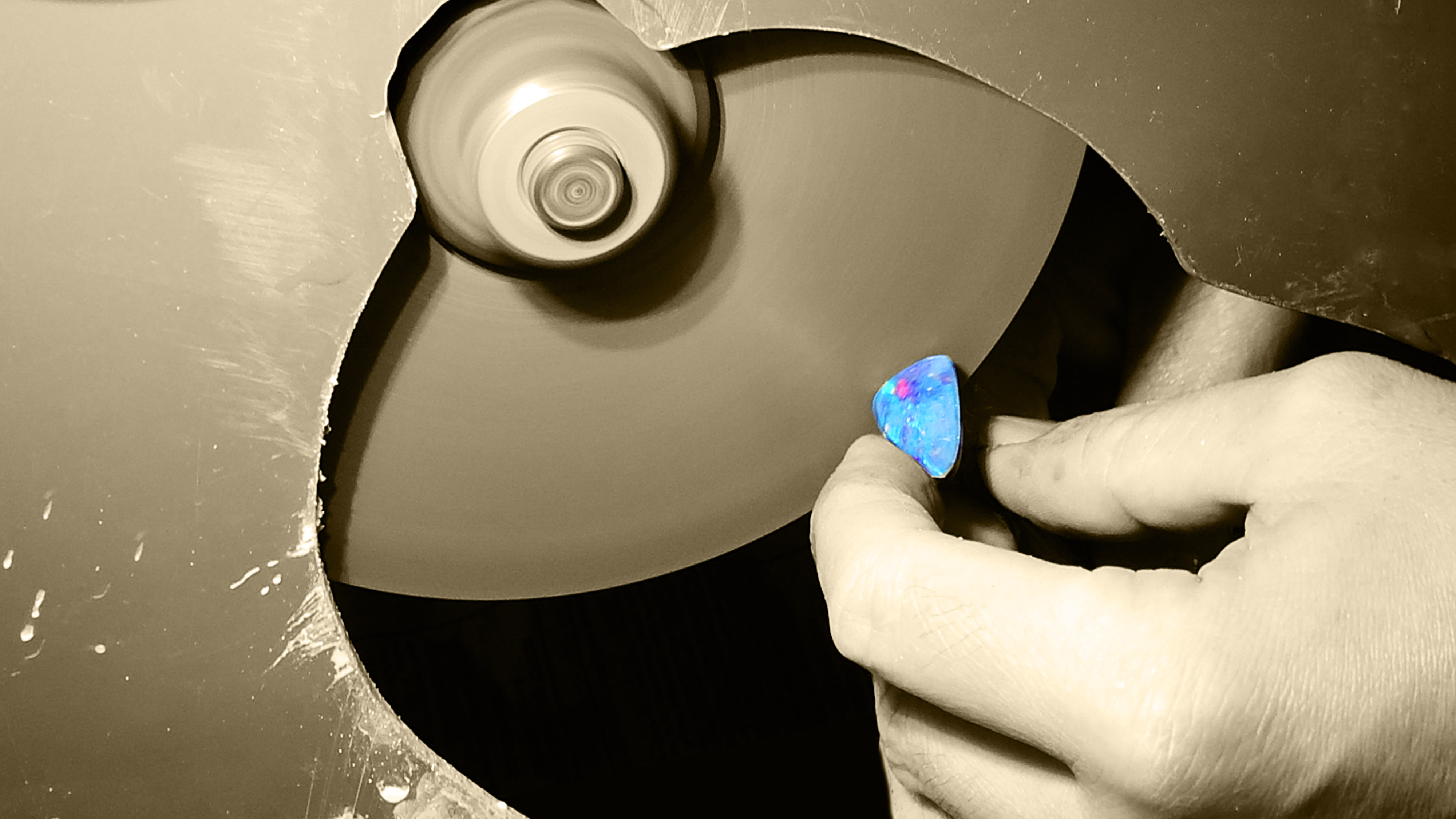 Opal manufacturing, polishing