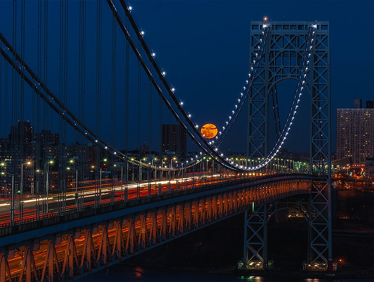 Phyllis_Raffelson_Super Moon on the GWB.