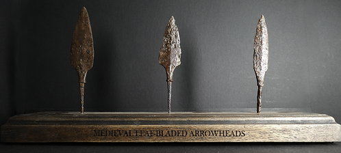 LARGE MEDIEVAL ARROWHEAD COLLECTION