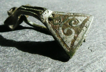 Roman Bow and Fantail Brooch