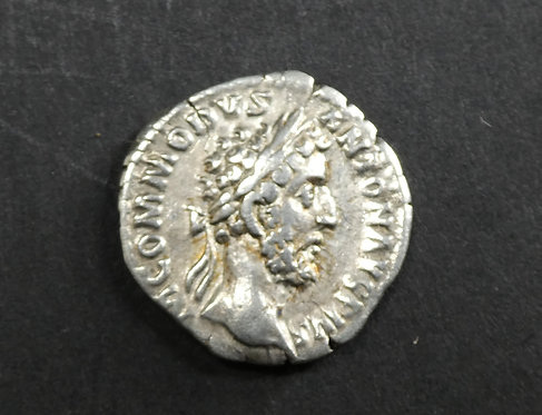 ROMAN SILVER COIN OF COMMODUS
