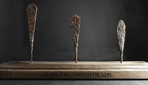 MEDIEVAL ARMOUR-PIERCING ARROWHEAD COLLECTION