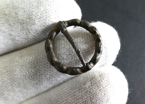 DECORATED MEDIEVAL RING BROOCH