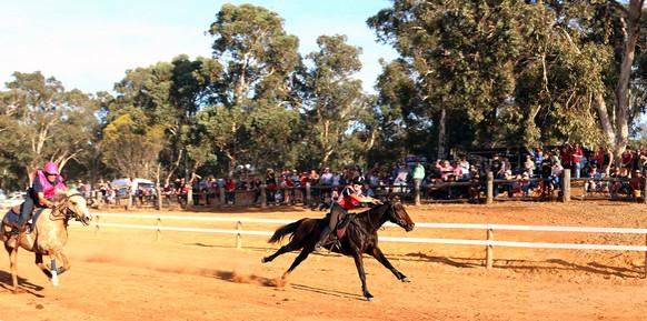 quindanning-races-2014-IMG_2101 adj medi
