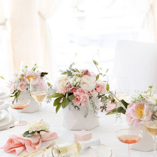 03-a-chic-tablescape-with-cream-and-pink