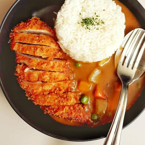 ข้าวแกงกะหรี่ไก่ชุบแป้งทอด