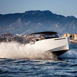 De Antonio Yachts_D33 Open_05.jpg