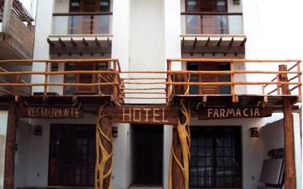 Hotel Caballo Blanco and restaurant in Mahahual Beach