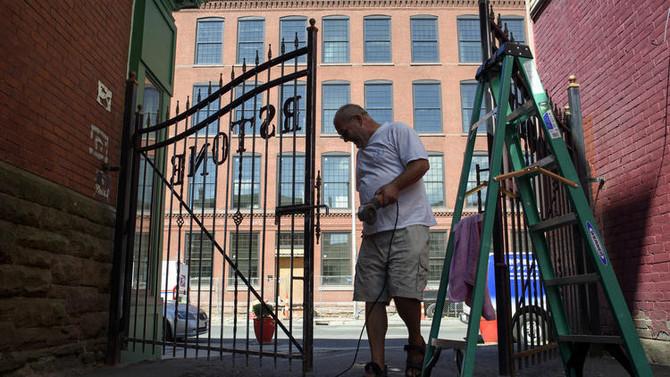 A Capitol Avenue Block Prepares For A Comeback