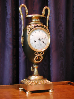 Urne French clock