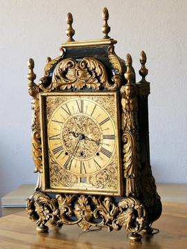 1702 Abraham Pettremant Swis Neuchatel clock