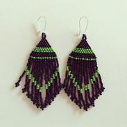Negro & verde_._#aros #mostacillas #chaq