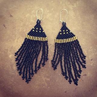 Aros mostacilla 💫_ #negro #ocre #chaqui