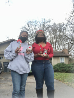 Girls Who Lead Holiday Curbside Celebrat