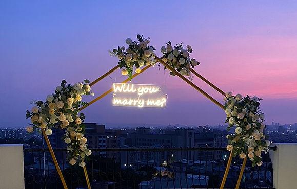 餐廳求婚布置、花藝求婚布置、花架求婚布置