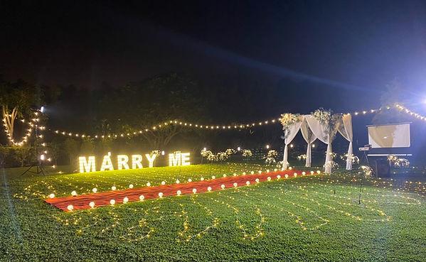 求婚道具租借-天空燈串 │ 台中求婚布置、草地求婚布置、綠朵景觀餐廳