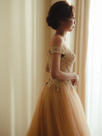 小V領 落肩袖 手工縫珠刺繡蕾絲
