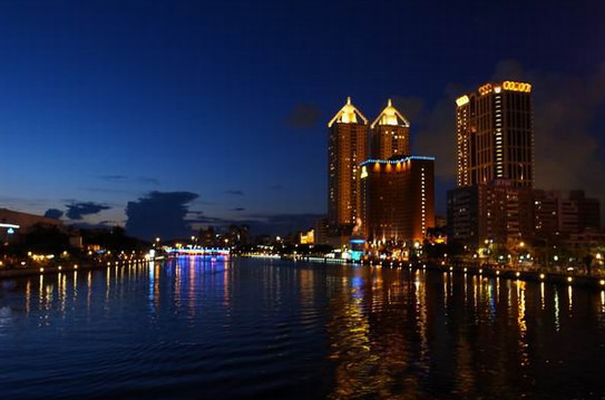 night view of Love River │Kaohsiung Marriage Proposal, Taiwan, riverside