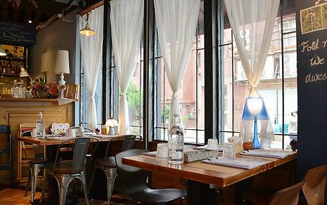 新竹求婚餐廳-冪 La Miette Cafe&Bistro室內座位│新竹兩人求婚、新竹浪漫求婚、新竹求婚包套推薦