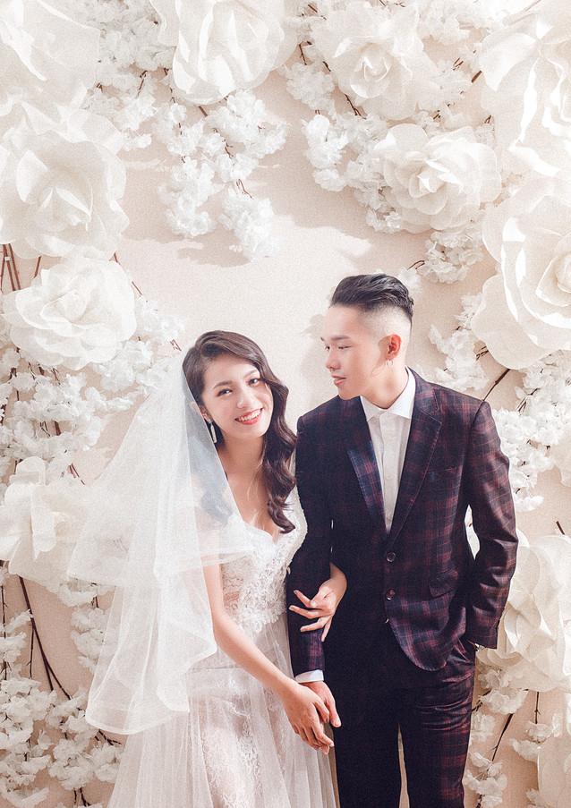 白色花牆婚紗攝影