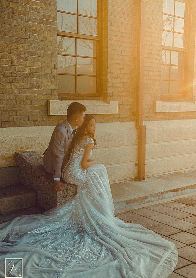 夕陽逆光婚紗照