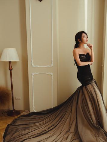 桃心領 裙身抓摺車縫 裙襬紗部交疊抓皺