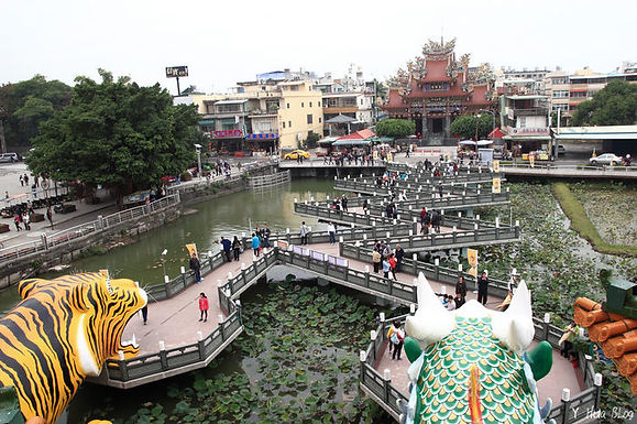 Lianchitan (Lotus Pond) scenic area │interesting marriage proposal, Taiwan, Kaohsiung