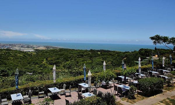 海灣星空咖啡館-戶外區 │桃園餐廳求婚、桃園求婚佈置、玻璃屋