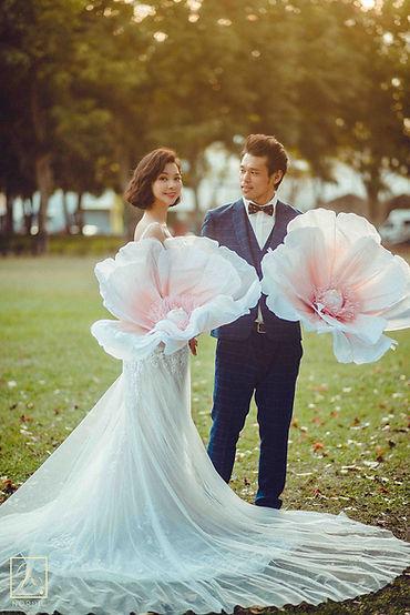 台中文心森林公園拍攝大花互動、自然清新婚紗攝影