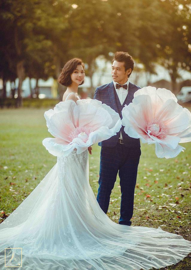 拖尾婚紗款式