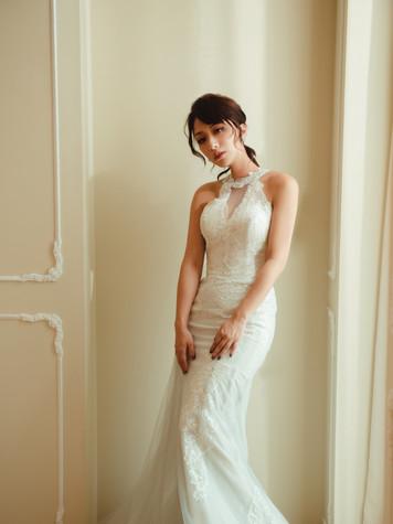 高領削肩繞頸設計 魚尾裙 可拆式披肩