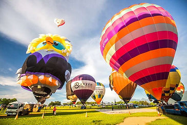 hot-air balloon festival on Luye Plateau │ Special Marriage Proposal, Taiwan, Taitung