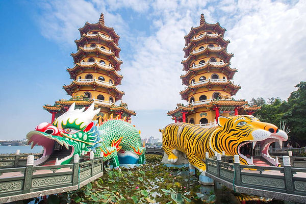 Longhu Tower (Dragon Tiger Tower) │Taiwan Marriage Proposal, Kaohsiung