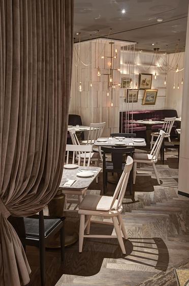 L'IDIOT RESTAURANT 驢子餐廳室內