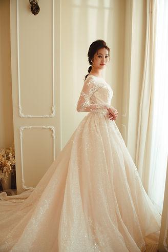 西班牙晶鑽拖尾蓬裙婚紗 │ 台中婚紗禮服款式,台中婚紗禮服價格,那一刻北歐婚紗