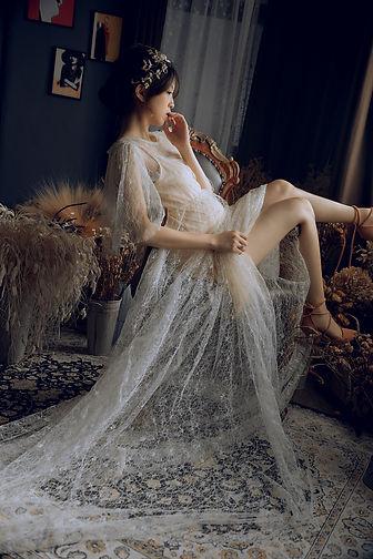 孕婦寫真妝法搭配髮飾 │ 台中孕婦寫真妝髮造型,孕婦照造型,孕婦照裝髮